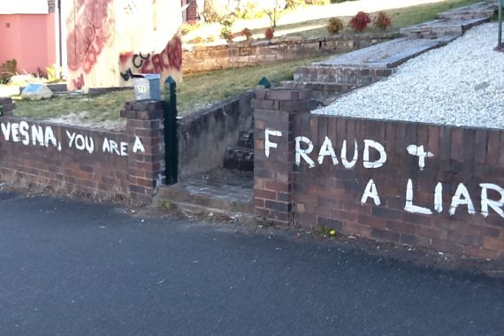 Blue-Mountains-Vandals-Graffiti-Photo